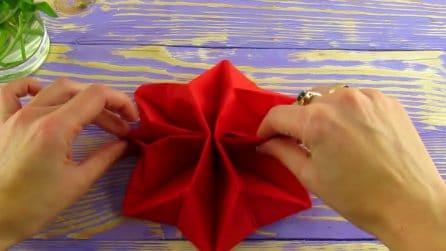 Come realizzare una stella di Natale con un tovagliolo