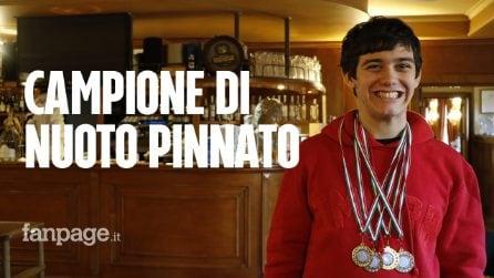 """Riccardo, campione nazionale di nuoto pinnato affetto da autismo: """"Lo sport è la sua terapia"""""""
