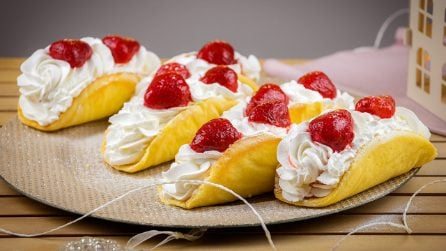 Soft cannoli with cream: simply delicious and easy to make!