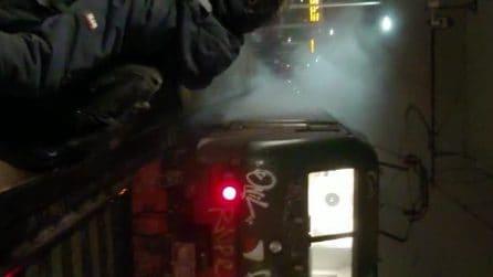 """Principio d'incendio su un convoglio Trenord diretto a Lecco: """"Si vedevano le fiamme dal locomotore"""""""