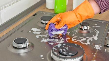 Come pulire il piano cottura utilizzando un solo ingrediente