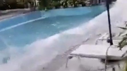 Terremoto Filippine, la scossa è violentissima e provoca onde in una piscina