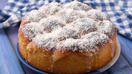 Coconut and milk brioche: buttery, fluffy , flavorful and so sweet!