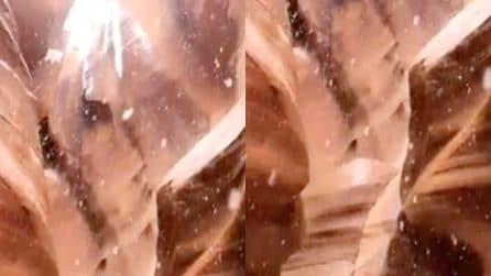 La suggestiva nevicata nel canyon: il video è spettacolare