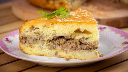 Ground beef stuffed cake: fluffy and delicious!