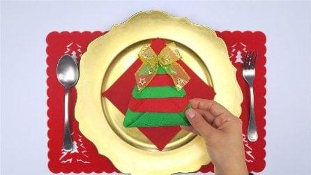 Come realizzare un albero di Natale con un tovagliolo