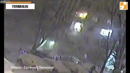 La fuga di gas e poi l'esplosione: l'appartamento è distrutto in pochi secondi