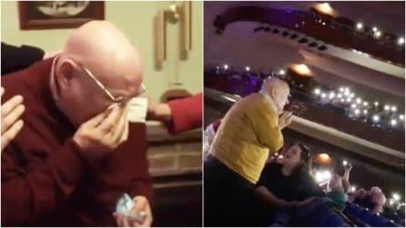 Un anziano signore per 20 anni passa da solo il Natale: la sorpresa che vi scalderà il cuore