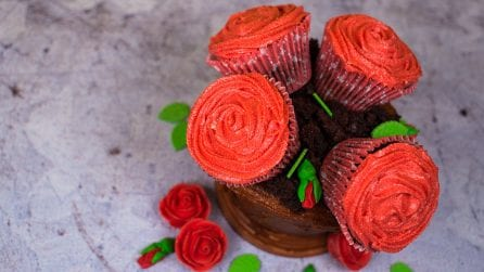 Cupcake Bouquet in a Vase: how to make it step by step!