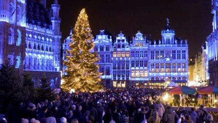 Un viaggio intorno al mondo tra colori e luci, per vivere la magia del Natale