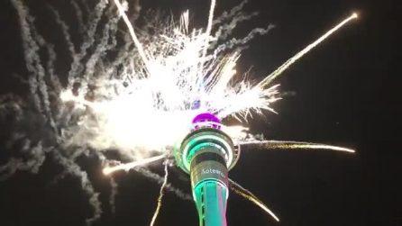 Conto alla rovescia sulla torre: buon anno dalla Nuova Zelanda