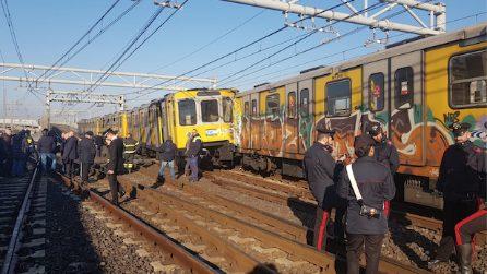 Napoli, incidente in metropolitana: si scontrano tre treni. Feriti