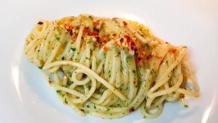Spaghetti aglio e olio: la ricetta del primo piatto tradizionale e buonissimo