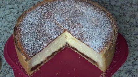 Cheesecake con base di frolla: la ricetta del dessert delizioso