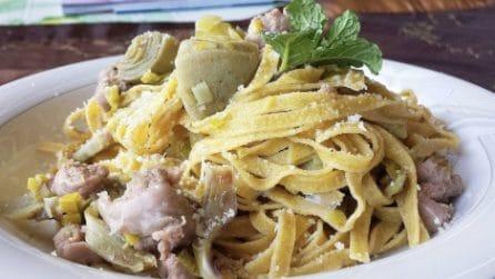 Tagliatelle carciofi e salsiccia: la ricetta del primo piatto strepitoso