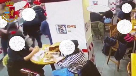 Milano, furto al fast food in centro: i ladri pizzicati dalle telecamere e denunciati