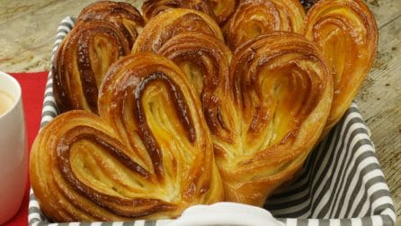Giant puff pastry fans: a sweet treat for a delicious snack time!