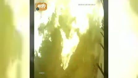 Iran, aereo caduto: il momento dello schianto al suolo