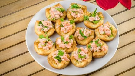 Salmon in Puff Pastry Baskets; a delicious starter with a few ingredients!