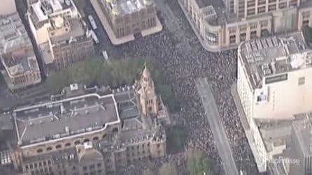 Australia, migliaia in marcia a Sidney contro l'emergenza incendi