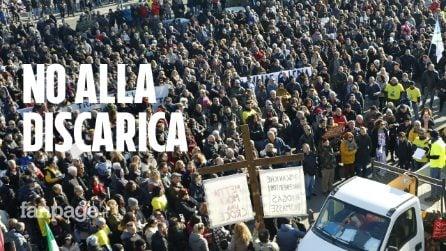 Roma, inizia la rivolta contro una nuova discarica a Valle Galeria: migliaia in piazza