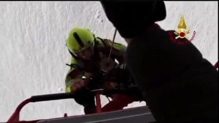 Spettacolare salvataggio dei vigili del fuoco: recuperato escursionista bloccato sul monte Grigna
