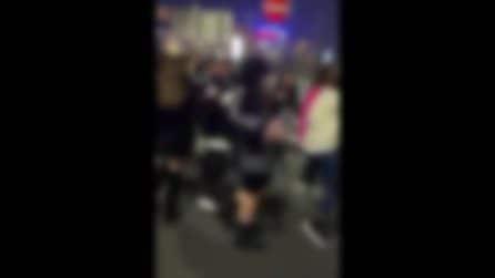 Napoli: rissa tra ragazzine, un gruppo si accanisce contro una e la riempie di botte