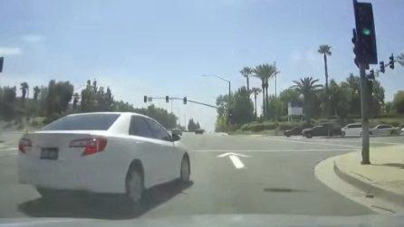 Ecco perché è importante mantenere la distanza di sicurezza in strada