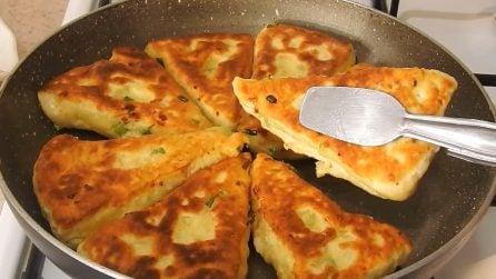 Triangoli di pane al formaggio: la ricetta sfiziosa e buonissima