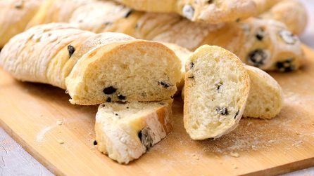 Homemade olive bread: a delicious and moist alternative to usual bread!