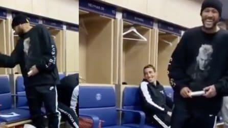 Lo scherzo malefico dei compagni di squadra a Neymar