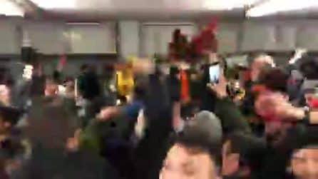 Roma, i tifosi cantano nonostante il ko con la Juve: festa giallorossa allo Stadium