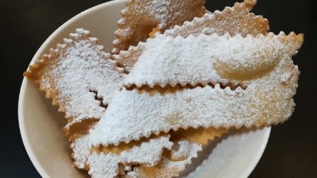 Chiacchiere di Carnevale: la ricetta tradizionale e gustosa