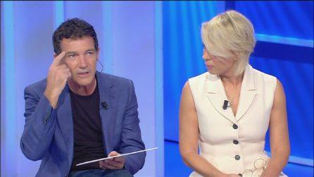 L'intervista di Maria De Filippi ad Antonio Banderas