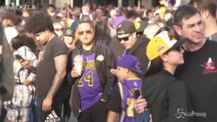 Kobe Bryant, i Lakers tornano in campo: il tributo dei tifosi al campione