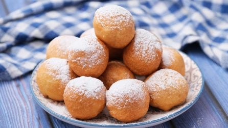 Donut holes filled with cream: you won't be able to stop at one!