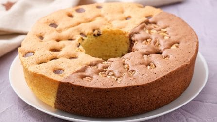 Sponge donut cake: how to make a fluffy dessert with a glass!