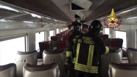 Treno Frecciarossa deragliato, i vigili del fuoco tra i vagoni distrutti