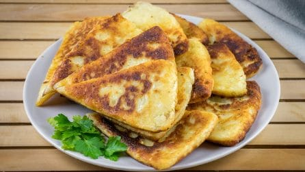Bread potato triangles: the perfect alternative to bread!