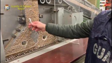 Napoli, tre fabbriche abusive producevano tonnellate di sigarette di contrabbando