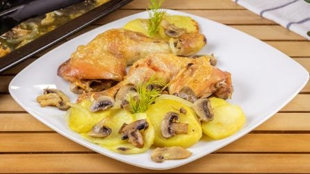 Easy baked chicken drumsticks with mushroom and potatoes: the result is juicy and tender!