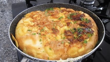 Frittata soufflé di patate: la ricetta del secondo piatto ricco e saporito