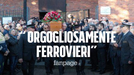 """Treno deragliato, colleghi commossi ai funerali di Mario Dicuonzo: """"Orgogliosi di essere ferrovieri"""""""