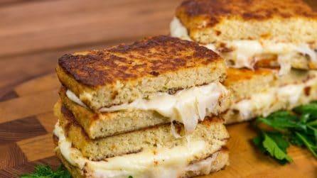 Toast di cavolfiore con cuore filante: l'alternativa gustosa al solito panino!