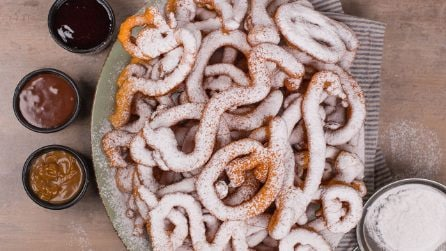 How to make funnel cake at home in 3 easy steps!