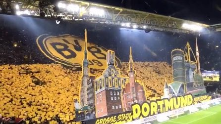 Borussia Dortmund, omaggio alla città e al club: uno delle coreografie più belle di sempre