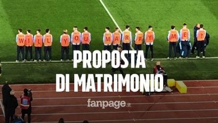 """Lazio-inter, la proposta di matrimonio all'Olimpico fa il giro del web: """"Mi vuoi sposare?"""""""