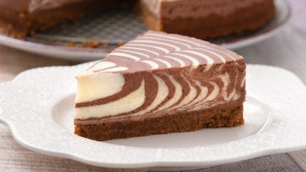 Zebra cheesecake: the dessert everyone will love!