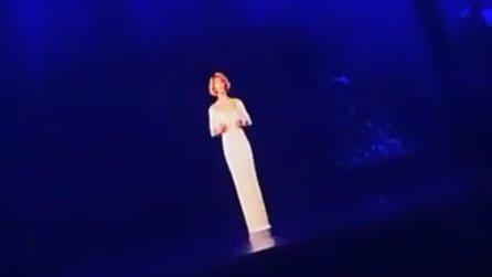 Whitney Houston in concerto: l'ologramma della cantante si esibisce a 8 anni di distanza dalla morte