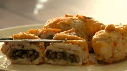 Involtini di pollo ripieni: la ricetta del secondo piatto gustoso